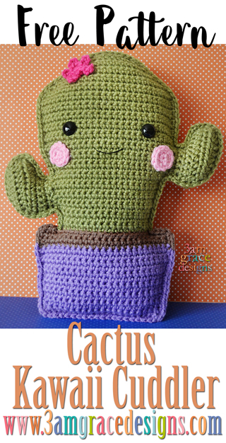 Free cactus amigurumi crochet pattern & tutorial makes an adorable pillow.