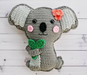 koala crochet pattern holding leaves