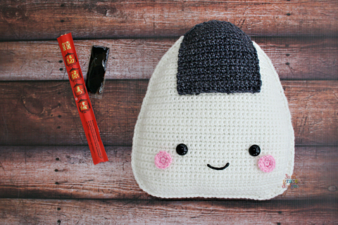 onigiri rice ball crochet pattern